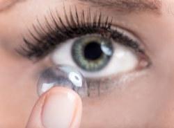 Aplikácia kontaktných šošoviek